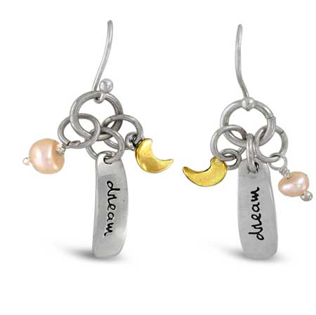 https://www.xinar.com/shopping-page/dream-story-dangle-earrings
